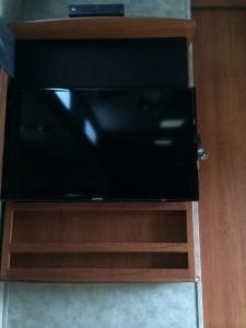 Keystone Travel Trailer, Articulating TV Mount and Samsung 40-inch LED TV